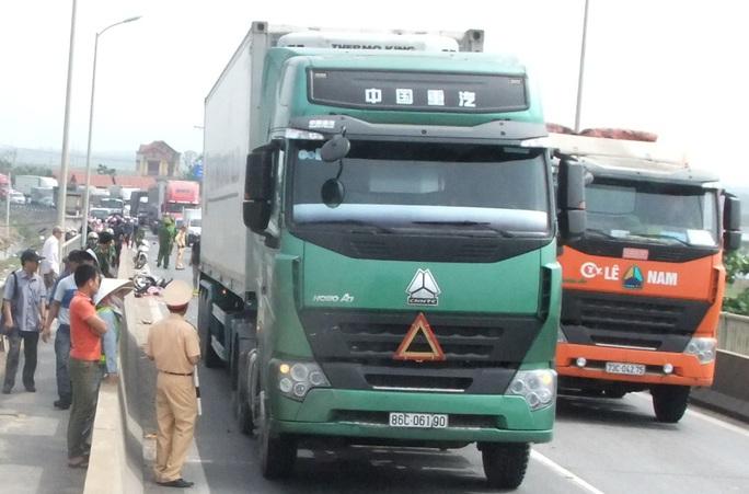 Hiện trường vụ tai nạn giao thông đặc biệt nghiêm trọng
