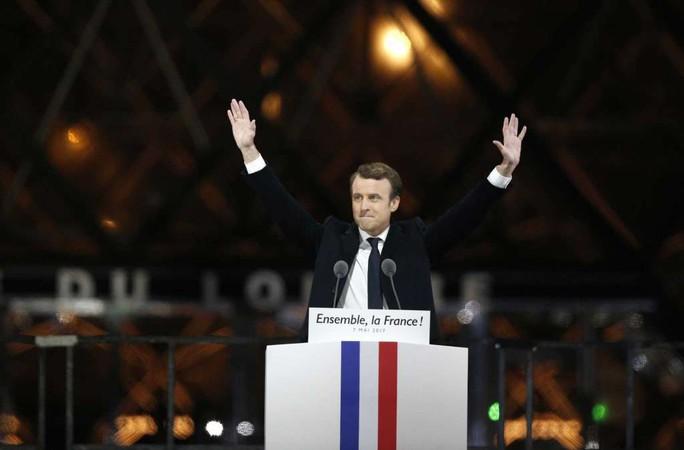 Ông Macron thắng cử tổng thống Pháp - Ảnh 2.