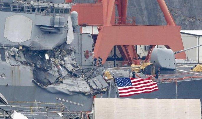 Tàu chiến Mỹ không né tránh dù được tàu hàng cảnh báo? - Ảnh 2.