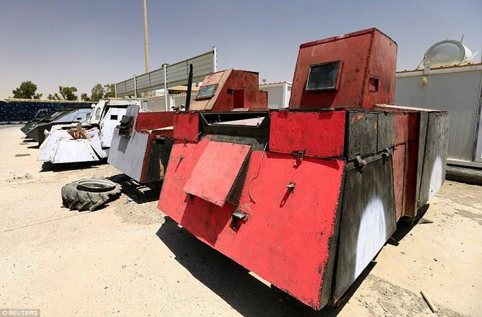 """Iraq: Tham quan """"nghĩa địa"""" xe đánh bom tự sát của IS - Ảnh 2."""