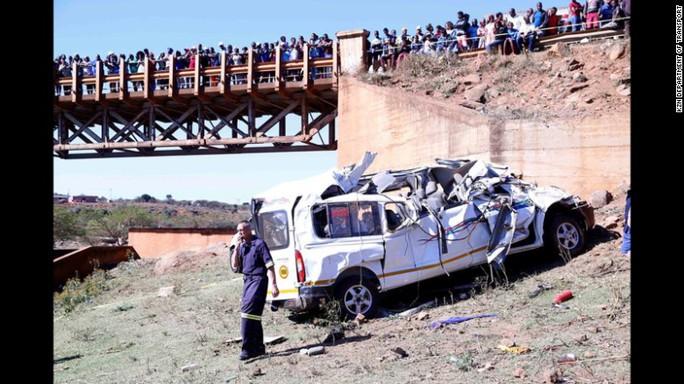 Nga: Xe hơi lao vào đám đông, 5 người thương vong - Ảnh 2.