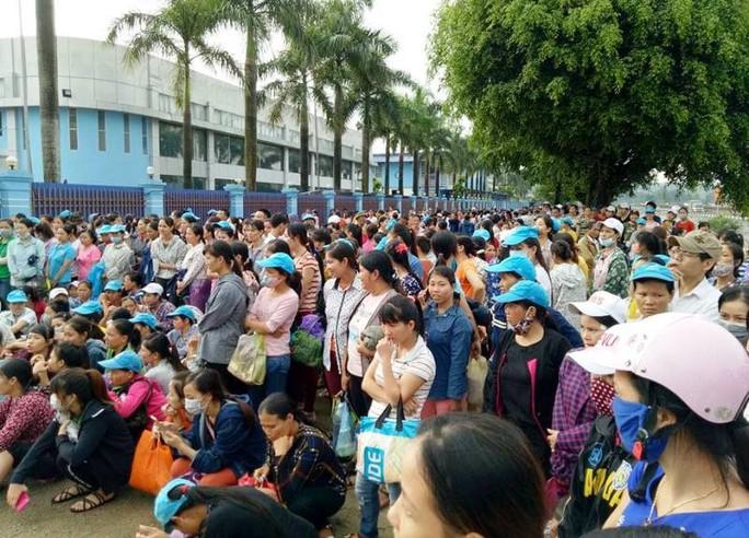 8.000 công nhân ngưng việc đòi đối thoại với ông chủ Trung Quốc - Ảnh 2.