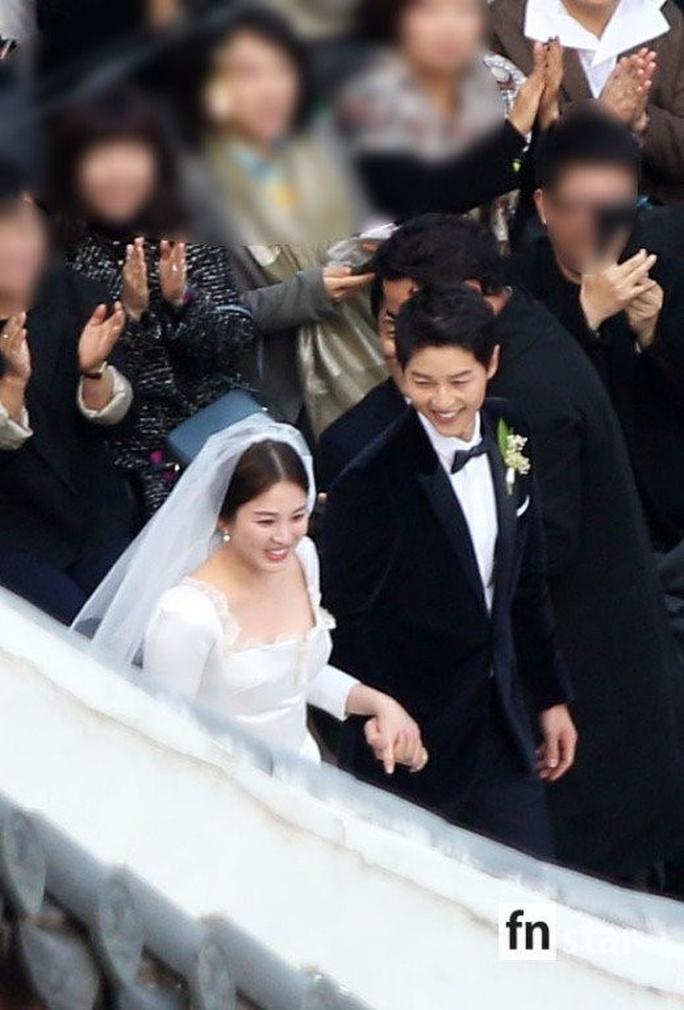 Mỹ nhân Song Hye Kyo theo Song Joong Ki về dinh - Ảnh 2.