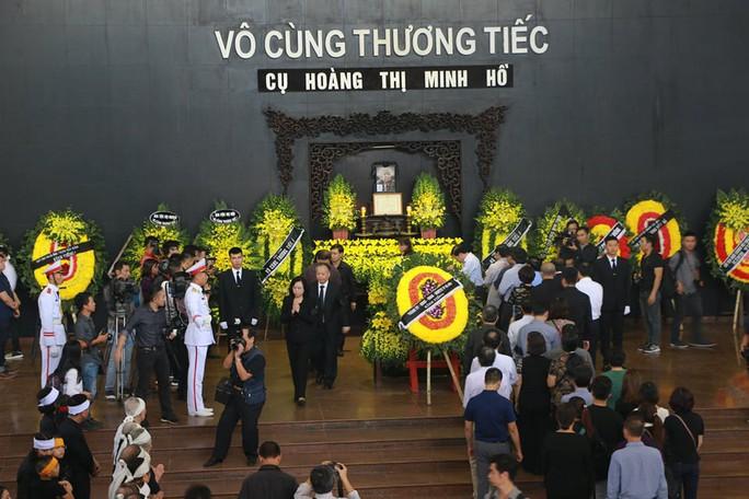 Tổng Bí thư gửi vòng hoa viếng cụ Hoàng Thị Minh Hồ - Ảnh 2.
