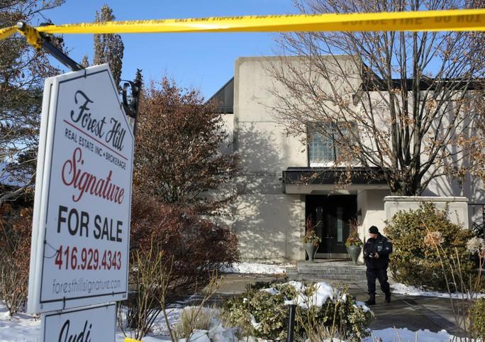 Hé lộ nguyên nhân cái chết của vợ chồng tỉ phú Canada - Ảnh 2.