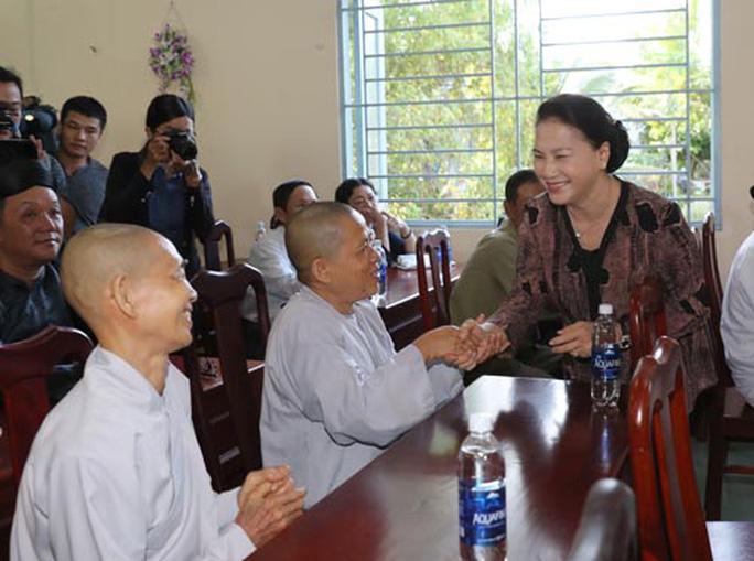 Chủ tịch Quốc hội tiếp xúc cử tri TP Cần Thơ - Ảnh 1.