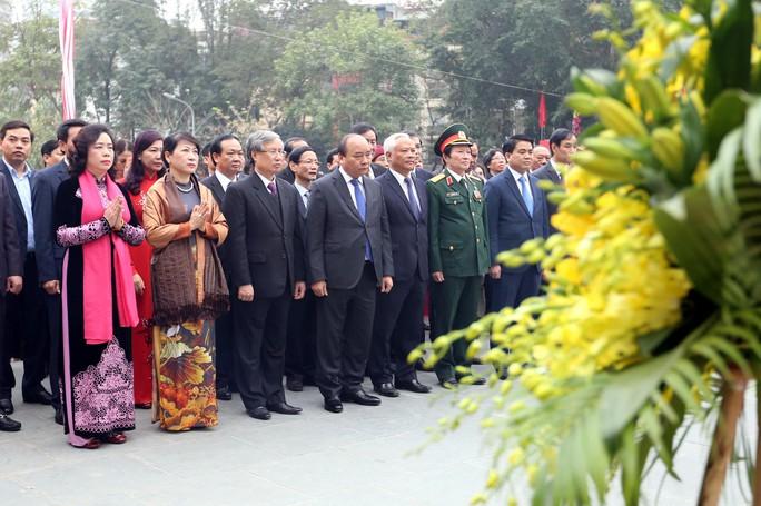 Thủ tướng Nguyễn Xuân Phúc tham dự lễ hội kỷ niệm 228 năm chiến thắng Ngọc Hồi - Đống Đa (ở Hà Nội) vào sáng 1-2 Ảnh: TTXVN