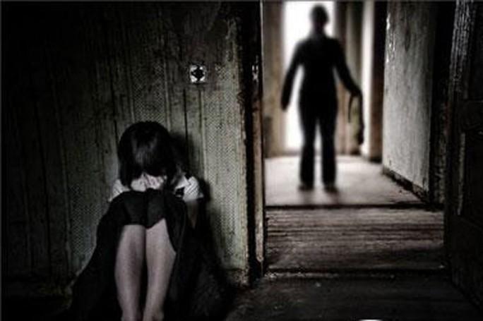 Nghi án bé gái 10 tuổi bị hiếm dâm. Ảnh minh họa