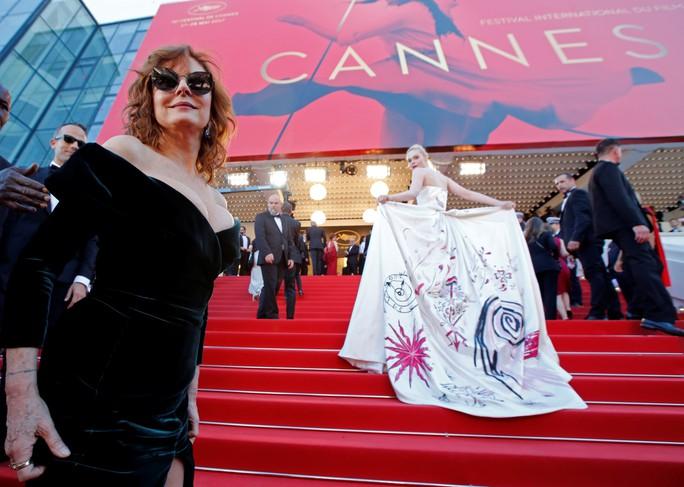 Mỹ nhân khoe sắc rạng rỡ tại LHP Cannes - Ảnh 13.