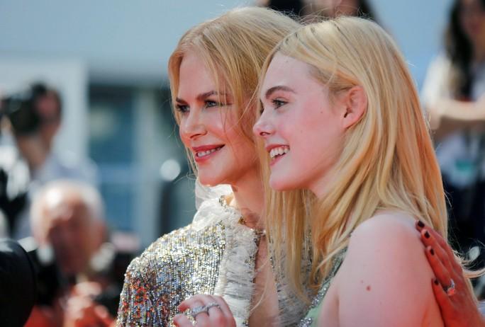 Elle Fanning đọ sắc Nicole Kidman trên thảm đỏ - Ảnh 10.