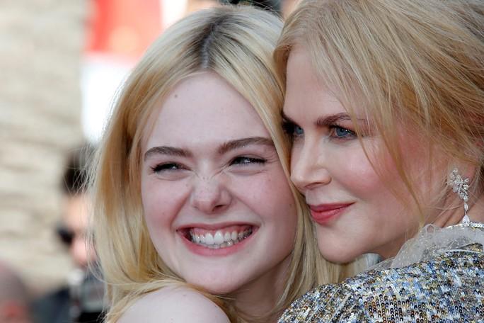 Elle Fanning đọ sắc Nicole Kidman trên thảm đỏ - Ảnh 7.