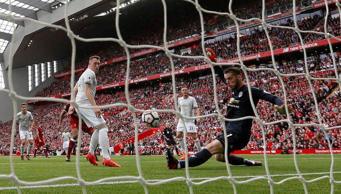 Liverpool - M.U 0-0: Mourinho lại thất hứa - Ảnh 1.