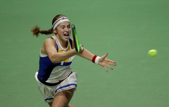 Muguruza xinh đẹp ghi điểm tại WTA Finals - Ảnh 4.