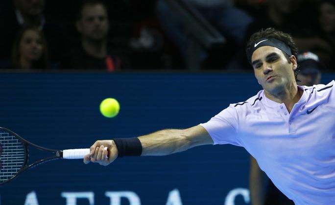 Federer cảm ơn CĐV đồng hương khi lần thứ 8 vô địch Giải Thụy Sĩ Indoor - Ảnh 5.