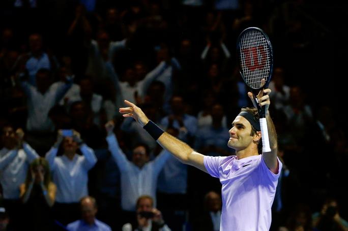 Federer cảm ơn CĐV đồng hương khi lần thứ 8 vô địch Giải Thụy Sĩ Indoor - Ảnh 3.