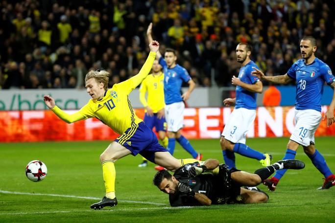 Mourinho đưa Forsberg vào tầm ngắm - Ảnh 1.