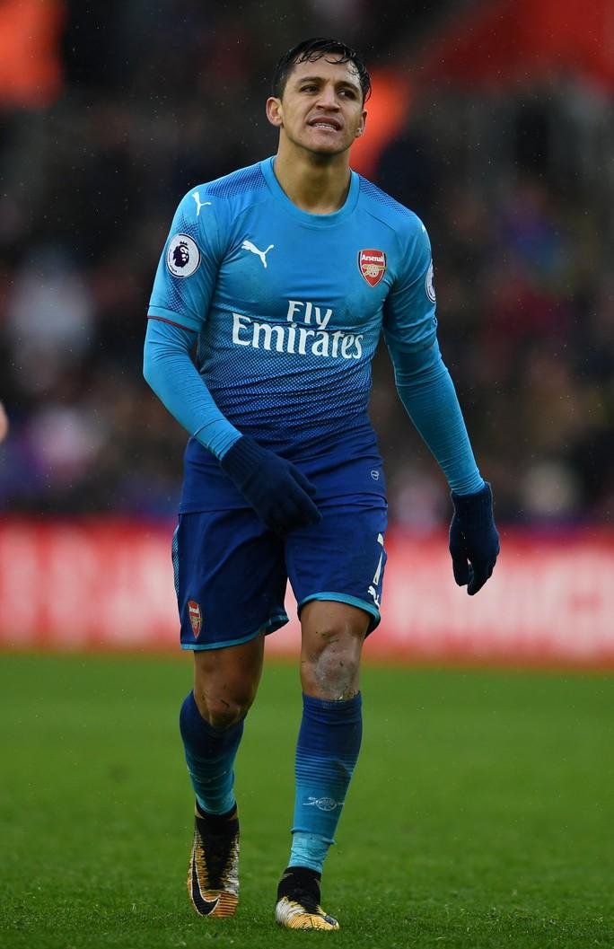 Arsenal với hy vọng mong manh giữ chân Mesut Ozil - Ảnh 3.