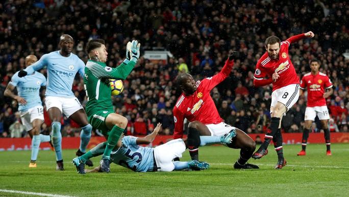 Lukaku giúp Man City đánh bại Quỷ đỏ - Ảnh 1.