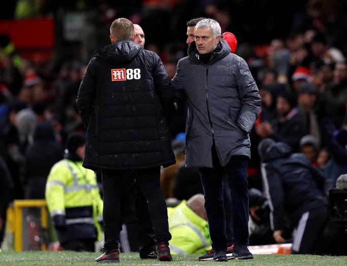 HLV Mourinho vẫn bình thản sau trận derby tai tiếng - Ảnh 2.