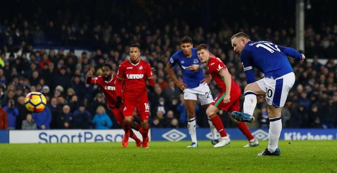 Rooney: HLV Allardyce đã hồi sinh sự nghiệp của tôi - Ảnh 1.