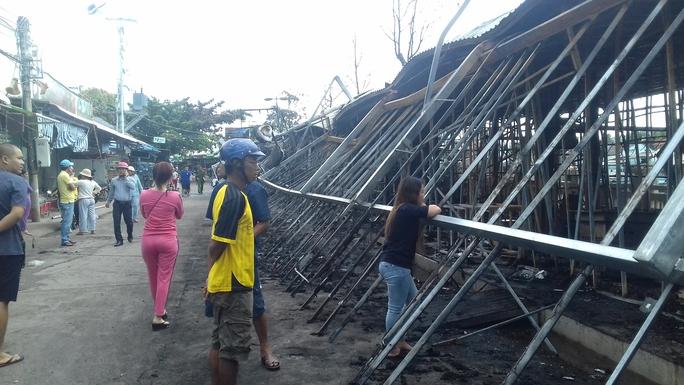 Công an vào cuộc điều tra vụ cháy chợ đêm Phú Quốc - Ảnh 3.