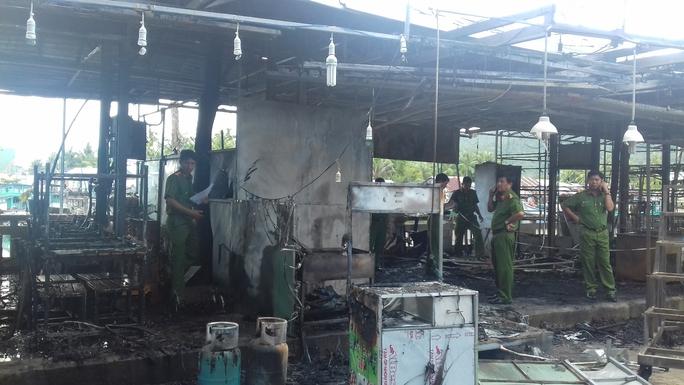 Công an vào cuộc điều tra vụ cháy chợ đêm Phú Quốc - Ảnh 2.