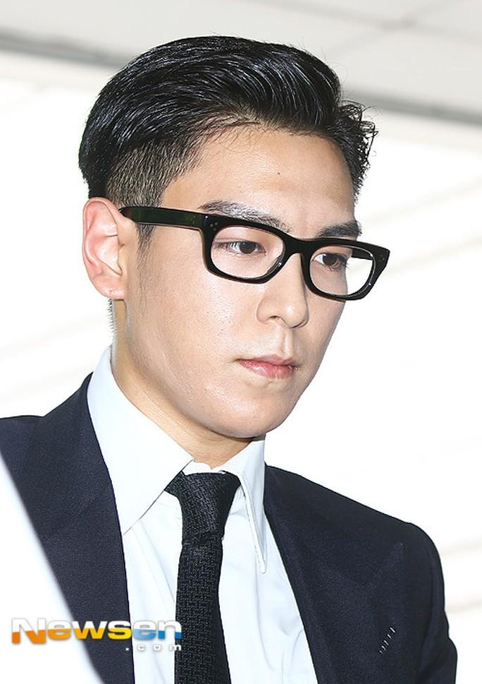 T.O.P (Big Bang) nhận án tù treo 10 tháng vì tội hút cần sa - Ảnh 4.