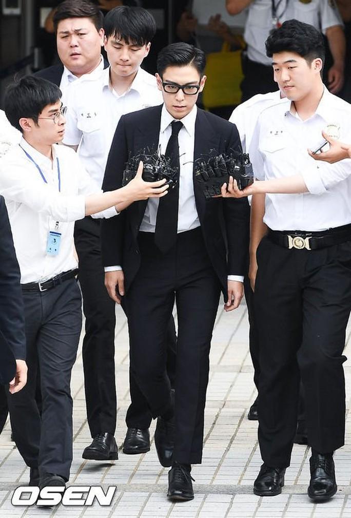 T.O.P (Big Bang) nhận án tù treo 10 tháng vì tội hút cần sa - Ảnh 2.