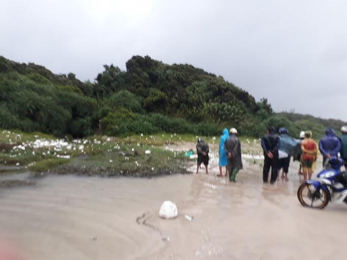 Phát hiện thi thể đàn ông mất đầu ở bãi biển Quảng Trị - Ảnh 1.