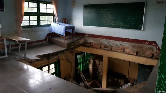 Vụ sàn phòng học đổ sập: Không phát hiện dấu hiệu xuống cấp? - Ảnh 1.