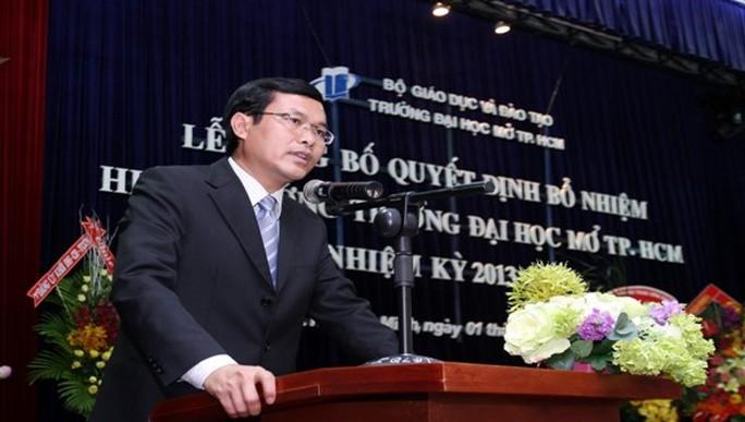 Thủ tướng bổ nhiệm 2 tân thứ trưởng Bộ GD-ĐT - Ảnh 1.