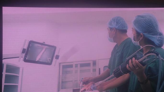 Bệnh viện Chợ Rẫy triển khai robot điều trị ung thư - Ảnh 2.