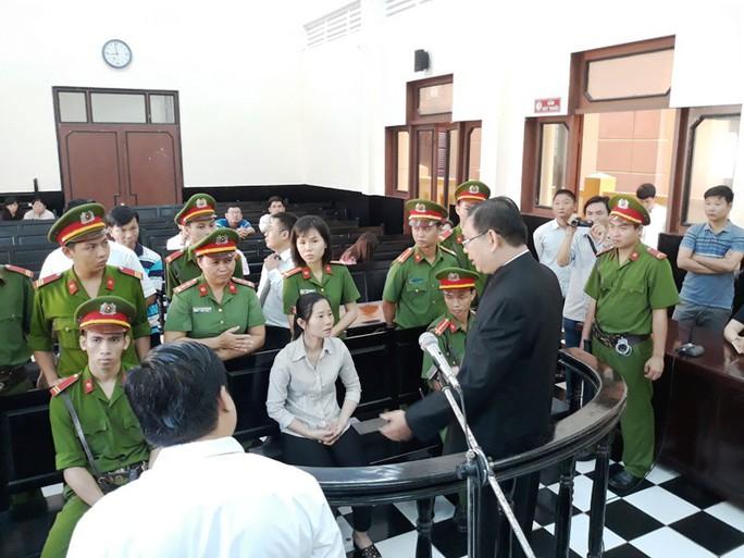 Hoãn phiên tòa lạ ở Tiền Giang! - Ảnh 1.