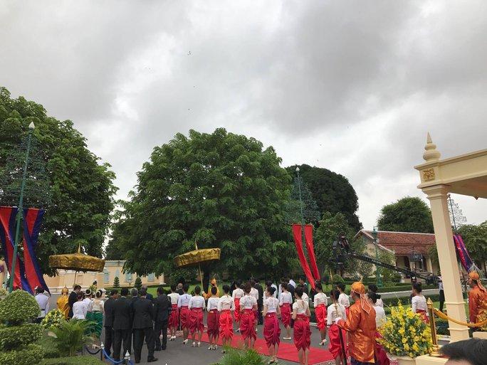 Trang trọng lễ đón Tổng Bí thư tại Hoàng cung Campuchia - Ảnh 15.