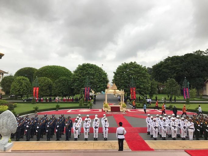 Trang trọng lễ đón Tổng Bí thư tại Hoàng cung Campuchia - Ảnh 19.