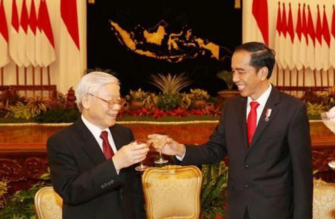 Tổng thống Indonesia trực tiếp lái xe chở Tổng Bí thư - Ảnh 5.