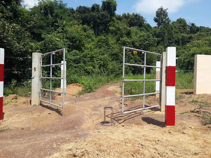 Cảnh báo nguy hiểm ở hàng rào điện ngăn voi - Ảnh 3.