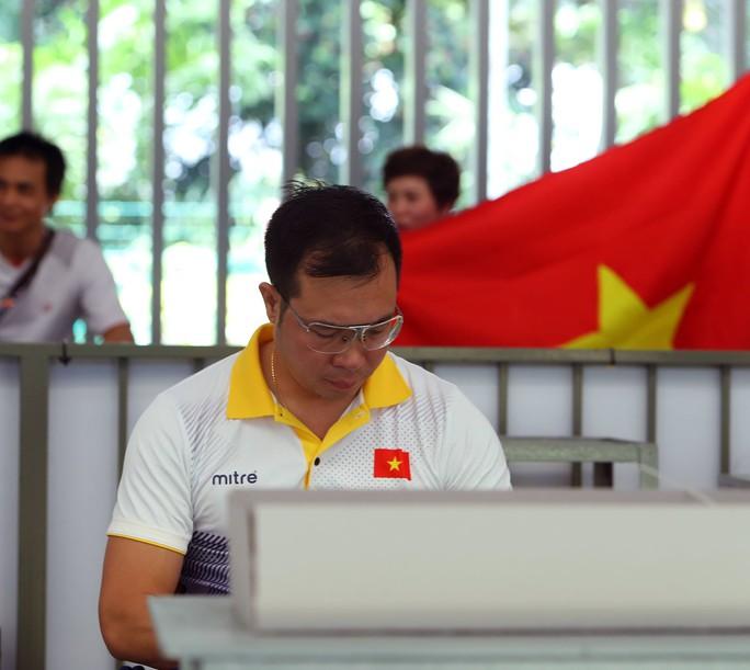 Cú sốc Hoàng Xuân Vinh - Ảnh 2.