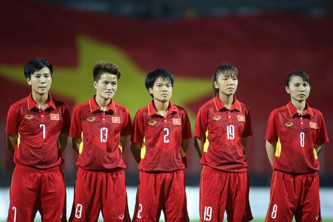 Thắng Malaysia 6-0, bóng đá nữ Việt Nam đoạt HCV - Ảnh 4.