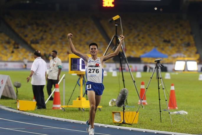 SEA Games ngày 23-8: Cú đúp vàng của Lê Tú Chinh - Ảnh 6.