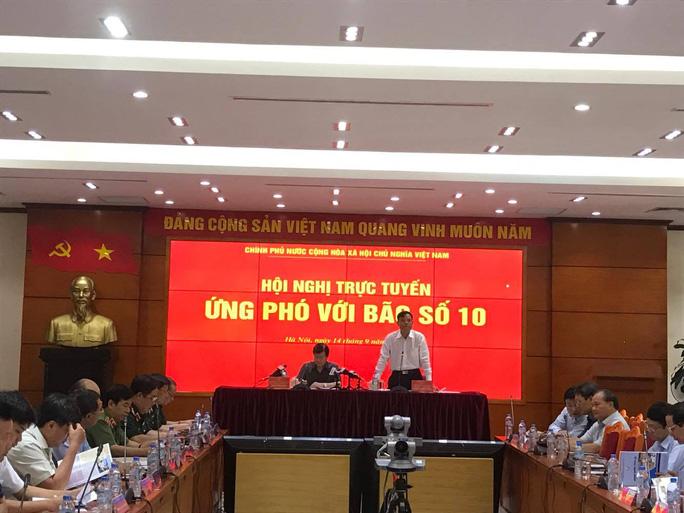 Bão số 10 giật cấp 15 có khả năng đổ bộ Nghệ An-Quảng Trị chiều mai - Ảnh 1.