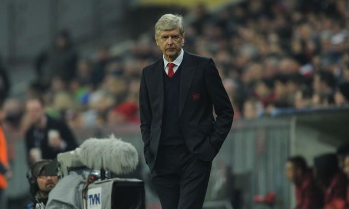 HLV Wenger không tâm phục khẩu phục sau trận thua Bayern Munich