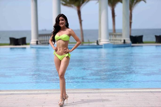 Cùng ngắm những người đẹp Miss Grand International thi bikini - Ảnh 2.