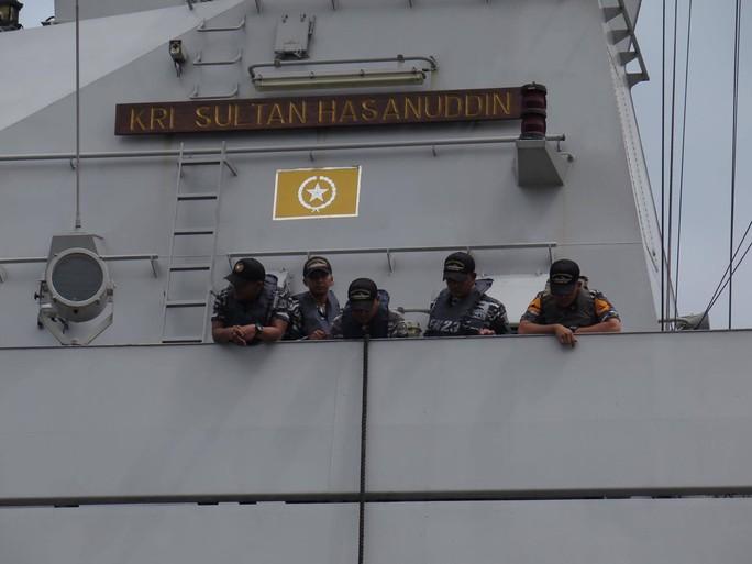 TP HCM đón cùng lúc 2 tàu quân sự Indonesia - Ảnh 9.