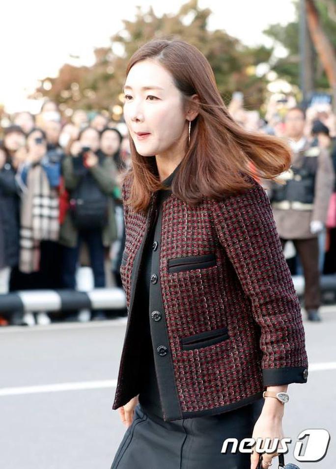 Mỹ nhân Song Hye Kyo theo Song Joong Ki về dinh - Ảnh 10.