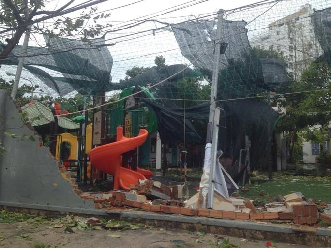 Bão số 12 tan, Khánh Hòa tan hoang, ít nhất 11 người chết - Ảnh 2.