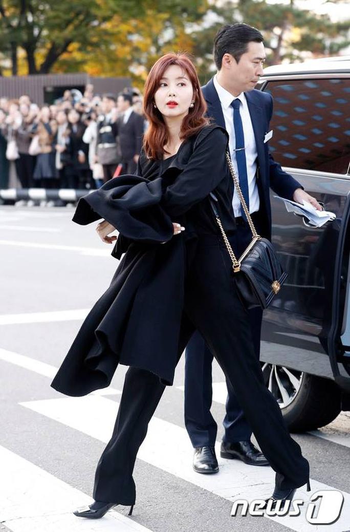 Mỹ nhân Song Hye Kyo theo Song Joong Ki về dinh - Ảnh 15.