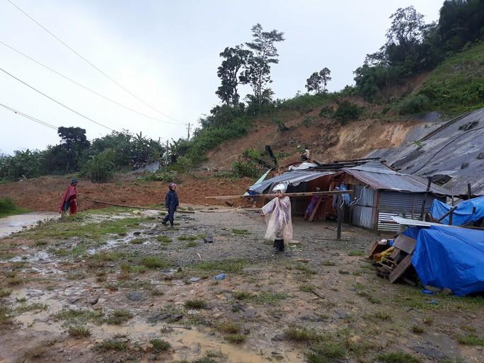 Sạt lở núi vùi lấp 8 người ở Bắc Trà My, Quảng Nam - Ảnh 1.