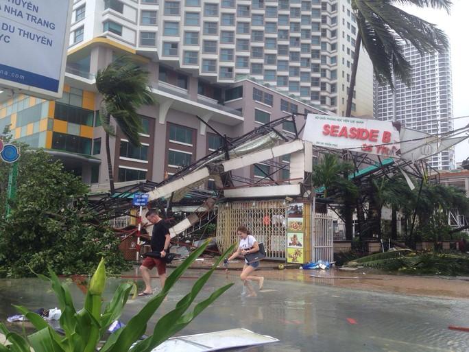 Bão số 12 tan, Khánh Hòa tan hoang, ít nhất 11 người chết - Ảnh 6.