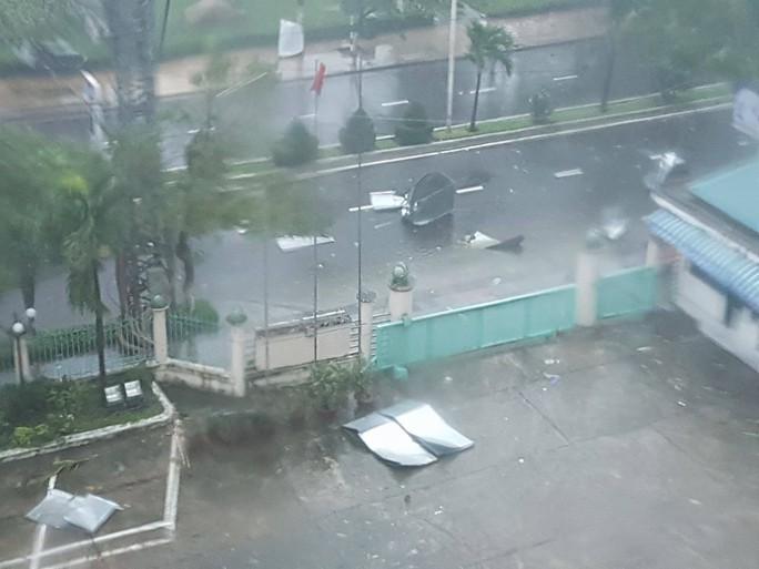 Gần 50 năm sống ở Nha Trang mới thấm thía bão - Ảnh 1.